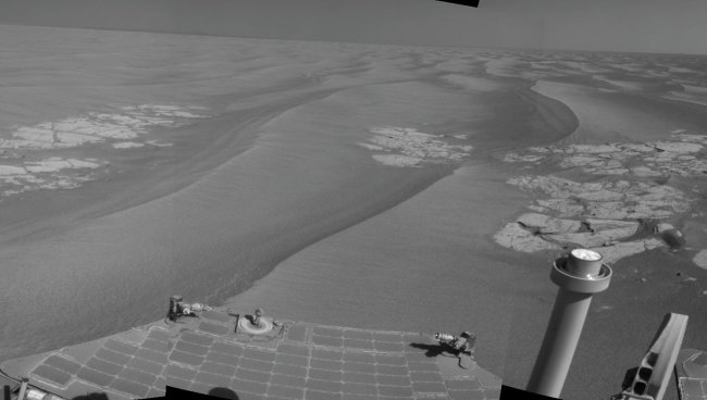 Opportunity's view on Mars, June 25, 2010