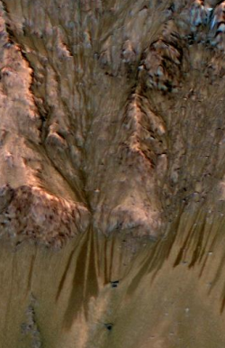 flow features on Mars