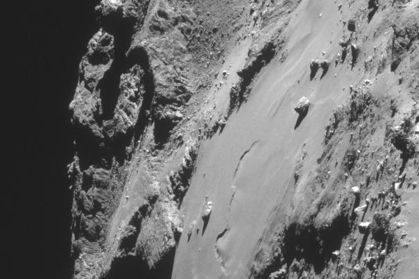 Giant boulders on Comet 67P/C-G