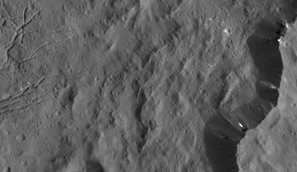 bright areas on crater wall on Ceres