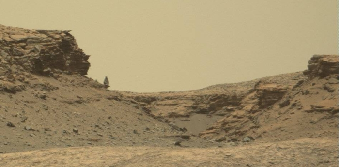 Balanced rock on Mars