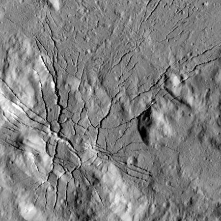 Fractures in floor of Occator Crater