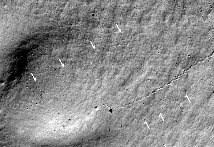 Boulder tracks on the Moon