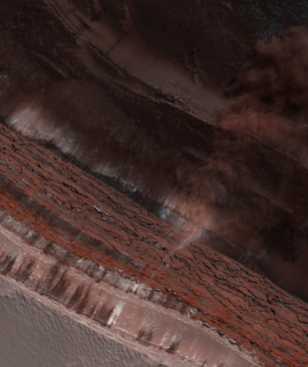 Avalanche on-going at the edge of Mars' north pole icecap