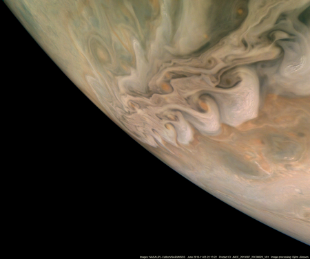 Cloud stream on Jupiter
