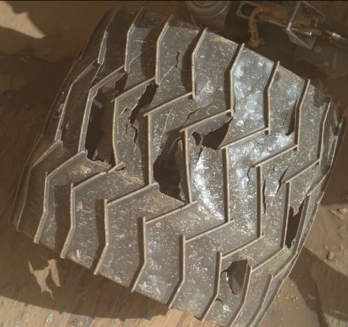 Another damaged wheel on Curiosity