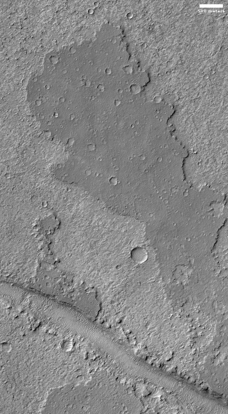 Weird flat plateau on Mars