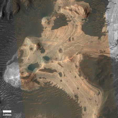 Bedrock layering in Holden Crater