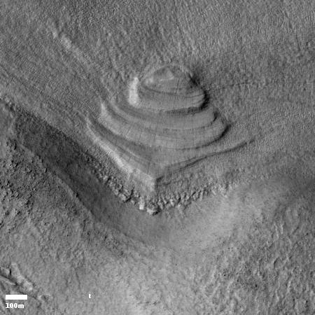 Fallen wedding cake on Mars