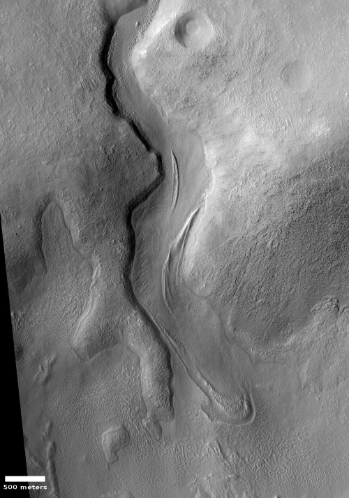 Glacial flow in the mid-latitude southern cratered highlands