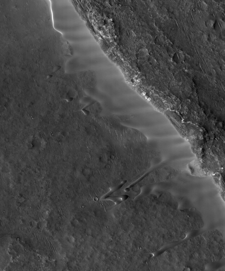 A wider photo of ridge and elongated dunes