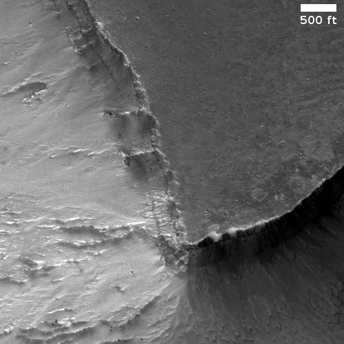 The rim of Valles Marineris
