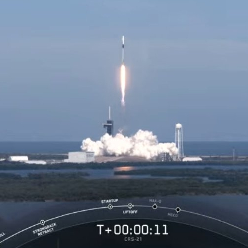 Falcon 9 launches Dragon freighter to ISS