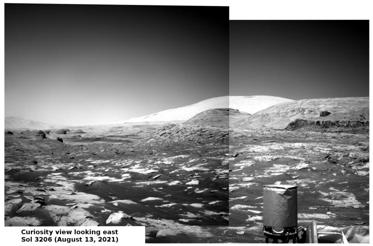 Curiosity panorama looking southeast